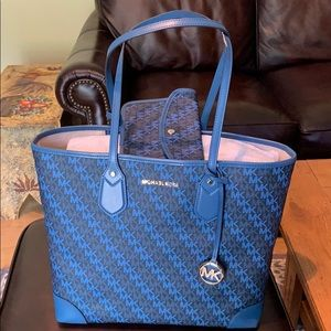 Michael Kors Tote with pochette NWT